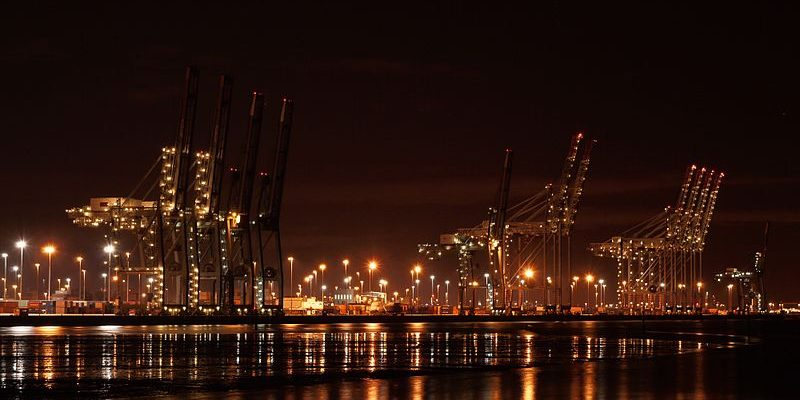 Taxi transfer from heathrow airport to port of southampton - Southampton airport to southampton port ...